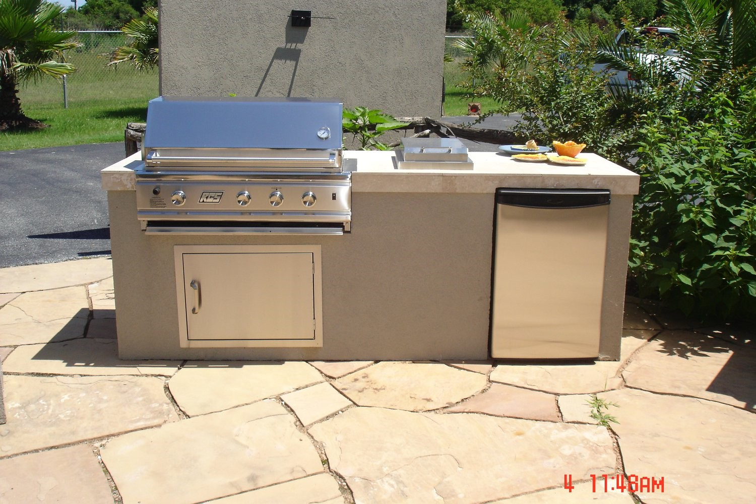 Pool builders tomball katy kingwood cypress spring for Pool with outdoor kitchen